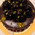 Profiteroles cake